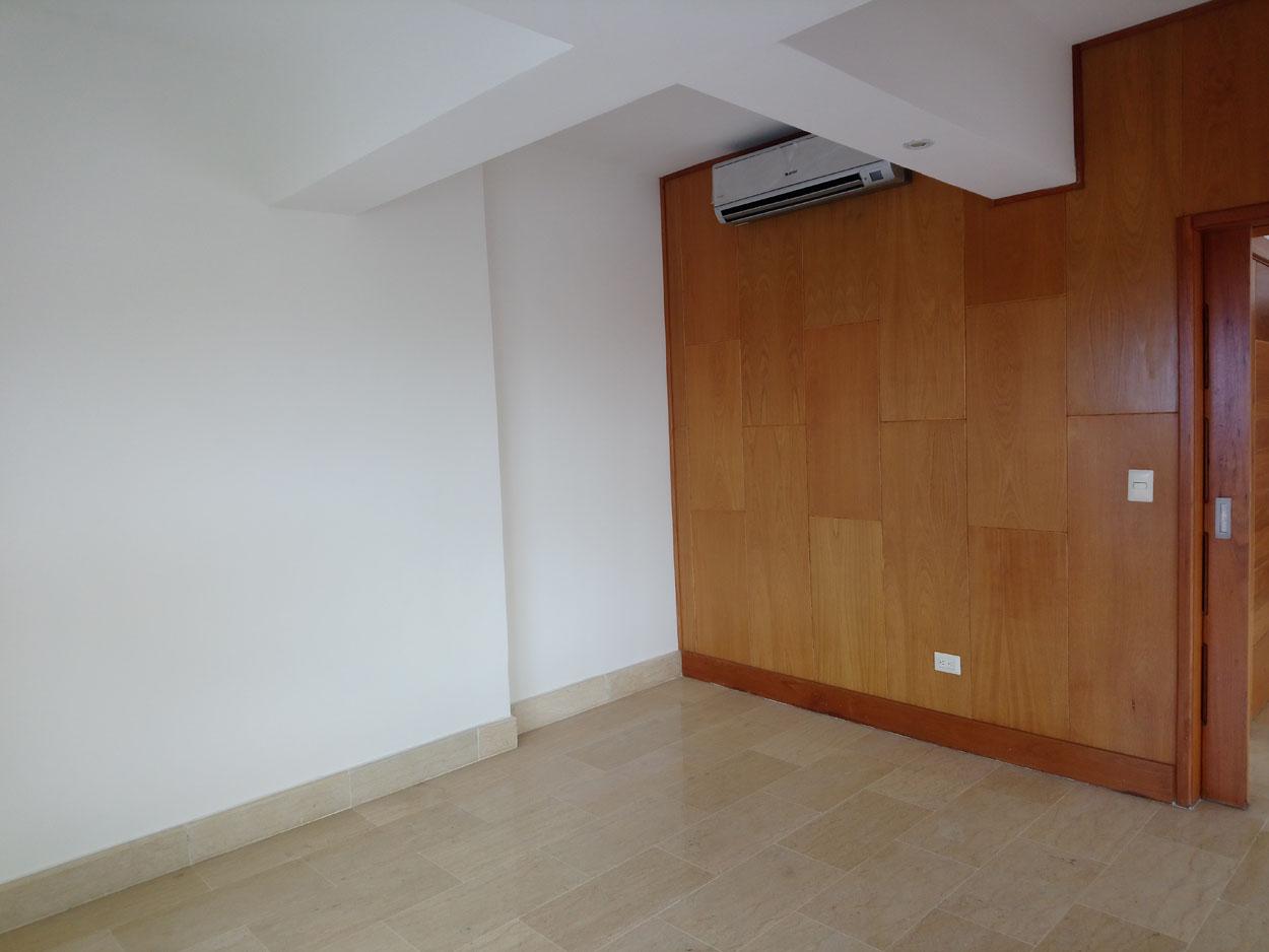 Apartamento en venta de 3 habitaciones 266 metros en Bella Vista Sur precio USD$ 345,000 USD$345,000