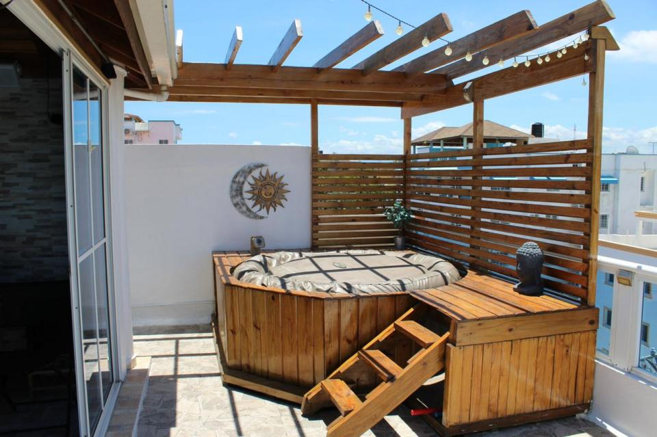 Apartamento en venta en el sector ALTOS DE ARROYO HONDO precio RD$ 5,500,000.00 RD$5,500,000