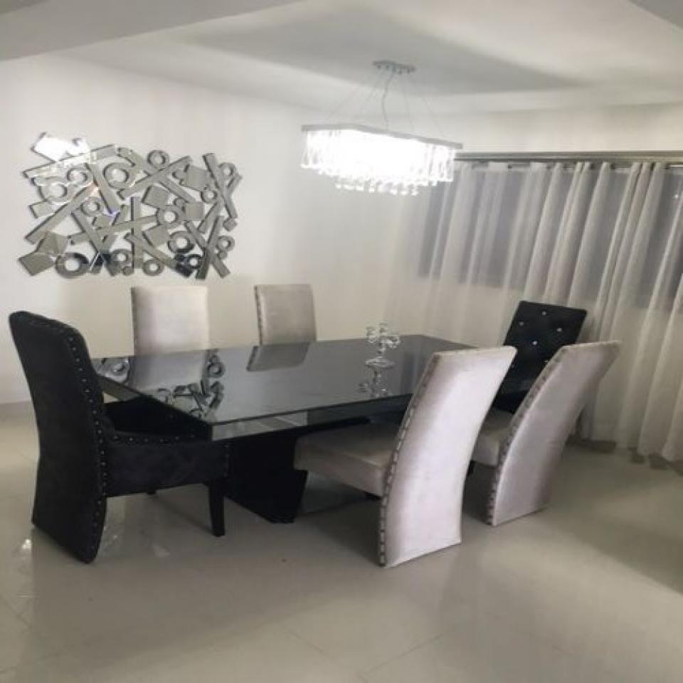 Apartamento en venta en el sector BELLA VISTA precio US$ 240,000.00 US$240,000