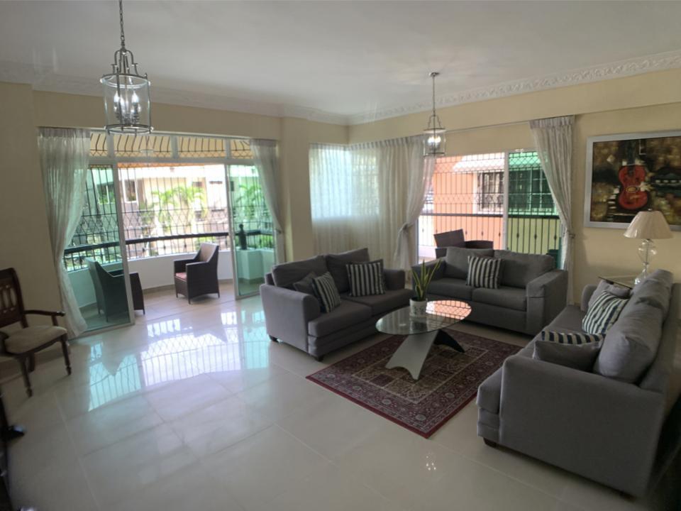 Apartamento en venta en el sector BELLA VISTA precio US$ 215,000.00 US$215,000
