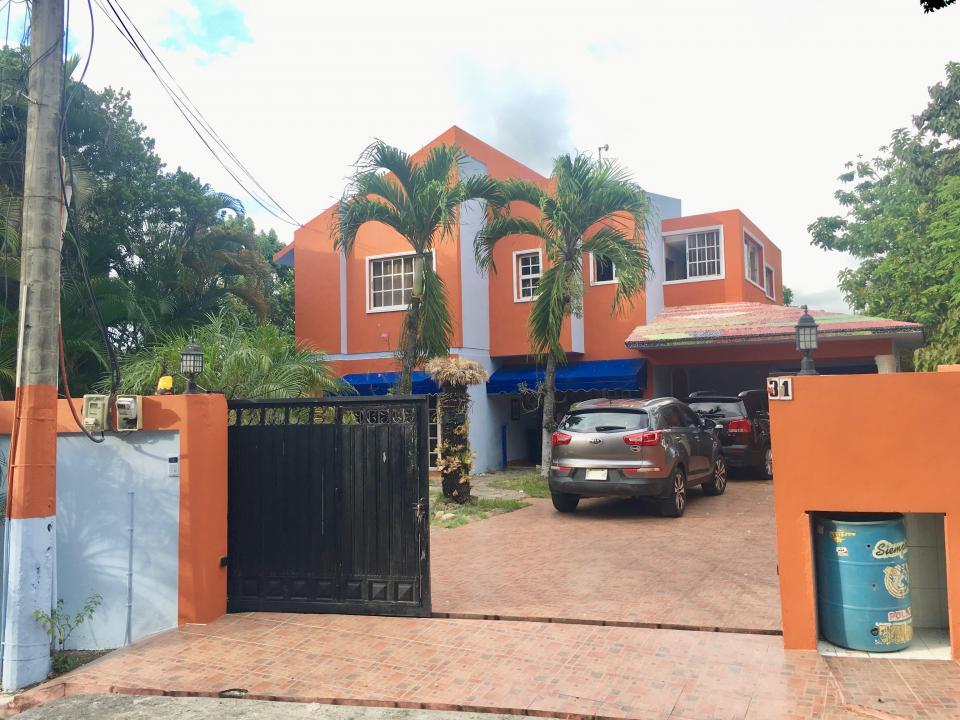 Apartamento en venta en el sector EL DUCADO precio RD$ 14,700,000.00 RD$14,700,000