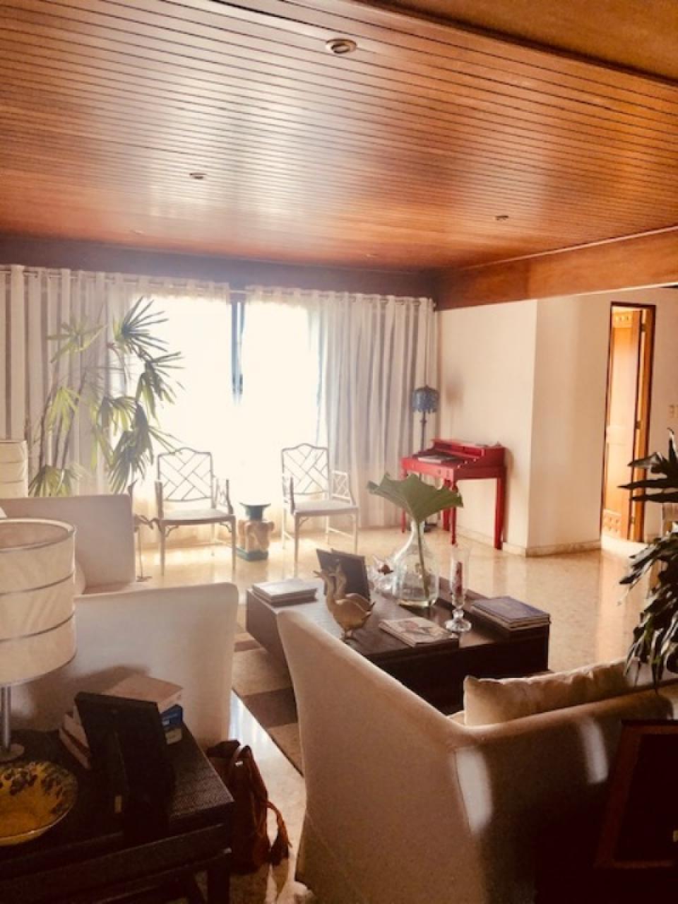Apartamento en venta en el sector ENSANCHE NACO precio US$ 290,000.00 US$290,000