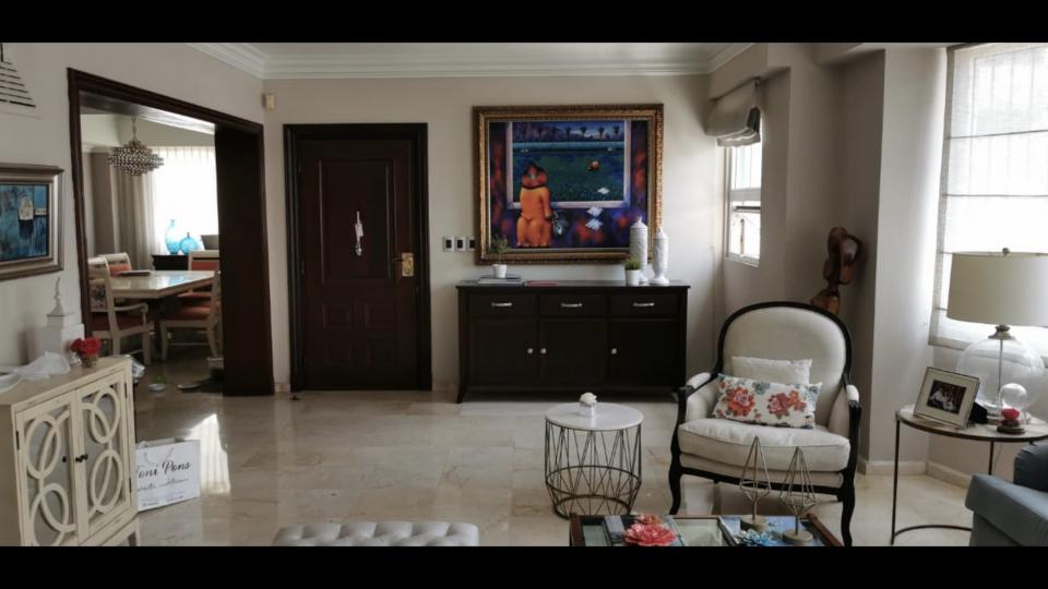 Apartamento en venta en el sector ENSANCHE SERRALLES precio US$ 235,000.00 US$235,000