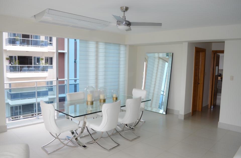 Apartamento en venta en el sector ENSANCHE SERRALLES precio US$ 350,000.00 US$350,000