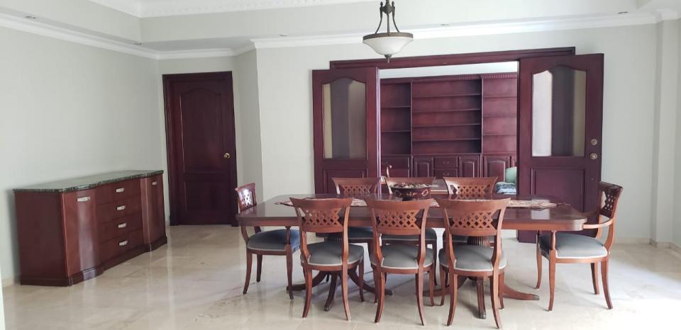 Apartamento en venta en el sector ENSANCHE SERRALLES precio US$ 245,000.00 US$245,000