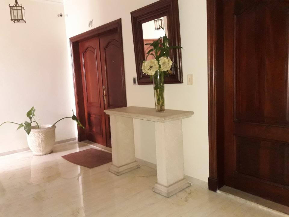 Apartamento en venta en el sector ENSANCHE SERRALLES precio US$ 230,000.00 US$230,000