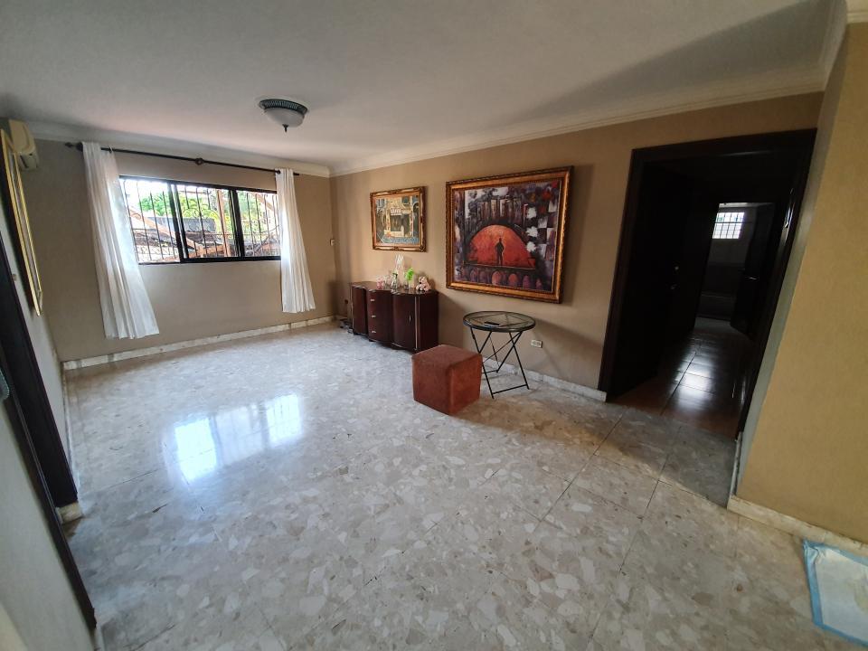Apartamento en venta en el sector EVARISTO MORALES precio RD$ 6,300,000.00 RD$6,300,000