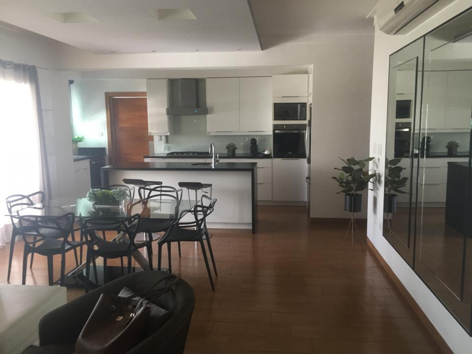 Apartamento en venta en el sector EVARISTO MORALES precio US$ 175,000.00 US$175,000