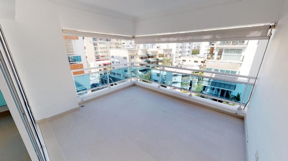 Apartamento en venta en el sector EVARISTO MORALES precio US$ 200,000.00 US$200,000