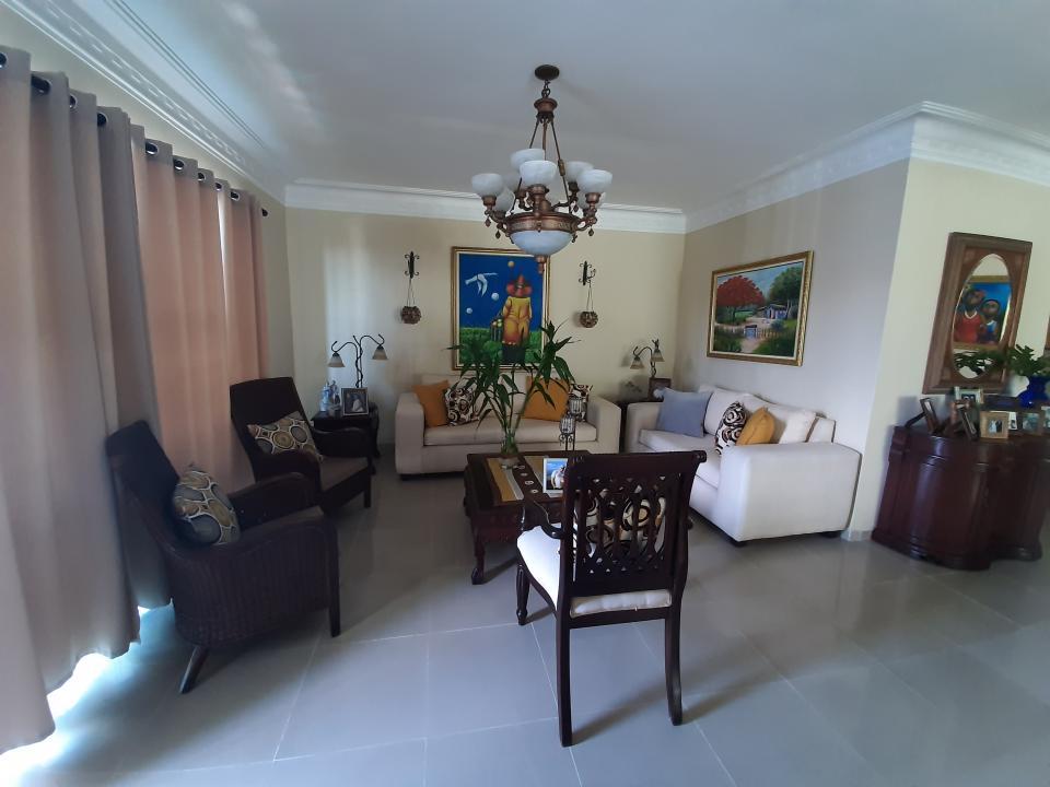 Apartamento en venta en el sector MIRADOR NORTE precio RD$ 8,500,000.00 RD$8,500,000