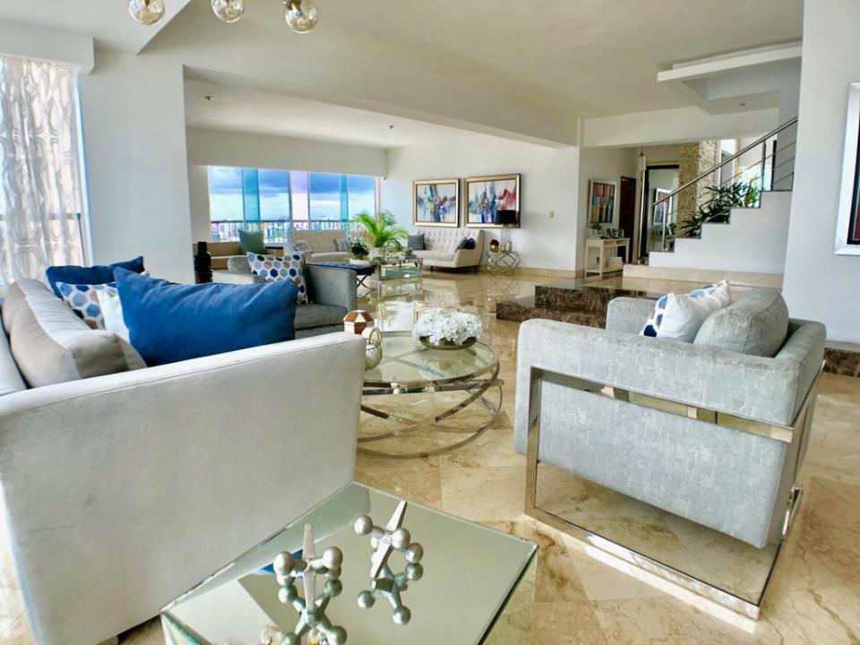 Penthouse en venta en el sector MIRADOR SUR precio US$ 578,000.00 US$578,000